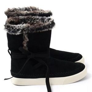 TOMS Vista Waterproof Winter Boot Black Suede 9.5